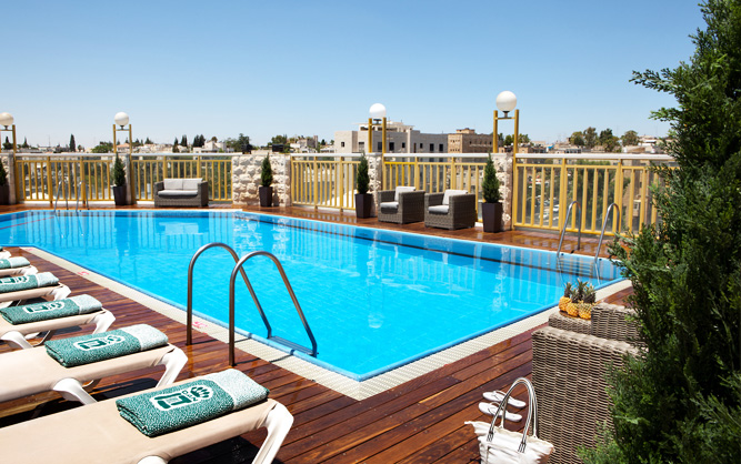 Roof-top swimming pool