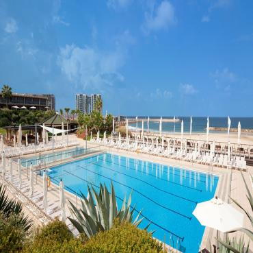 Herzliya hotel pool picture