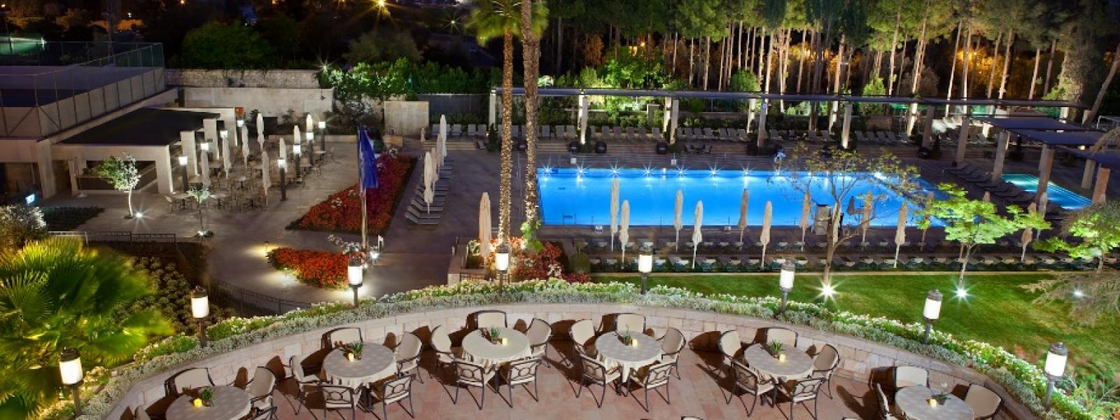 Hotel gardens and swimming pool picture